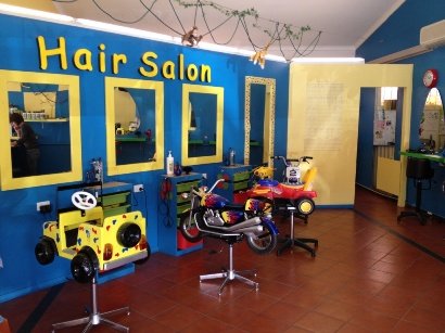 Child friendly hair salons kids hairdressers for Salon baby cool